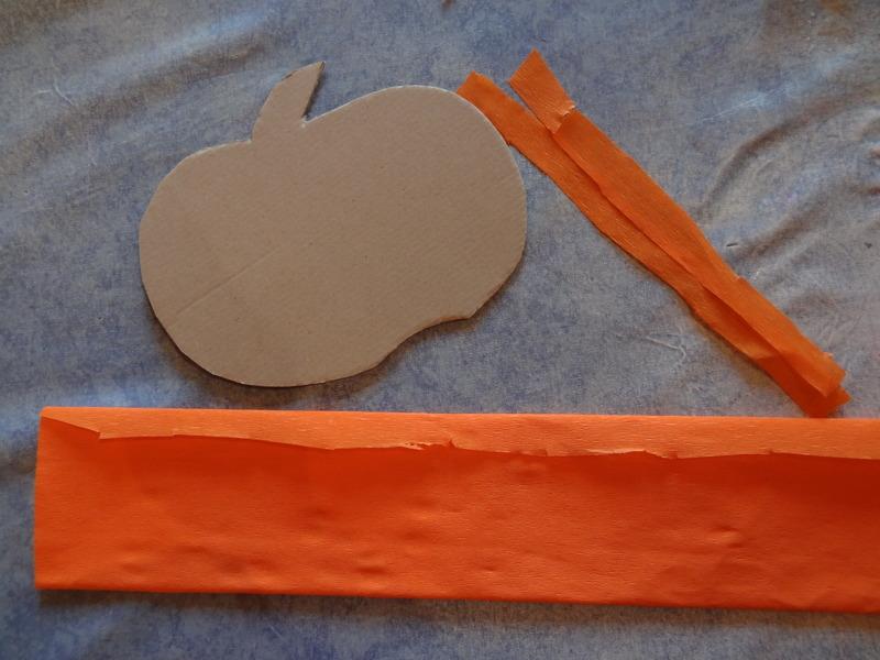 Une citrouille en papier bricolage citrouille - Citrouille halloween en papier ...